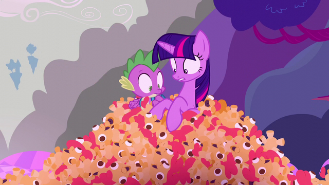File:Twilight and Spike see toys S5E26.png