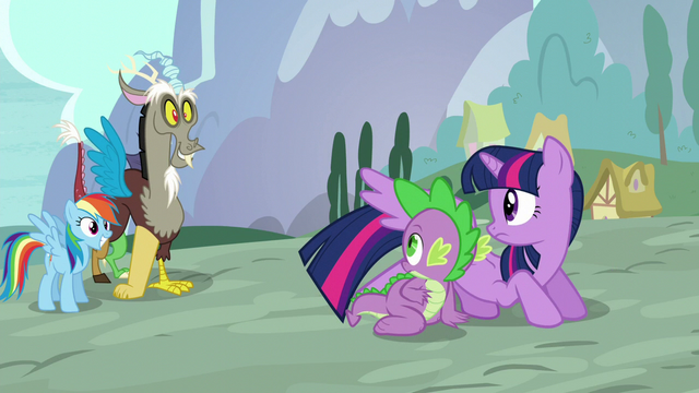 File:Twilight and Spike sees Rainbow and Discord S5E22.png
