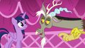 """Discord points at Twilight """"You really had to be there"""" S5E22.png"""