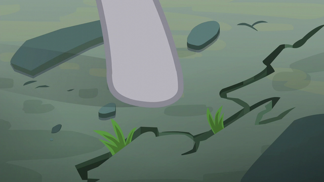 File:Maud Pie pointing at the fissure S6E3.png