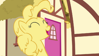 Pinkie Pie Enjoys Being Covered In Cake S02E18