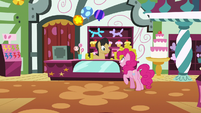 Pinkie asks about glowing, flying, self-folding napkins S7E12