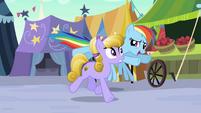 Rainbow Dash follows Amber Waves S3E01