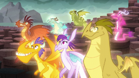 The dragons hear Torch's command S6E5
