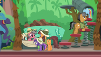 Rainbow and Quibble enter a Daring Do ballpit S6E13