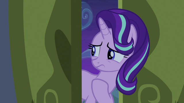 File:Starlight Glimmer beckons Trixie to follow her S6E25.png