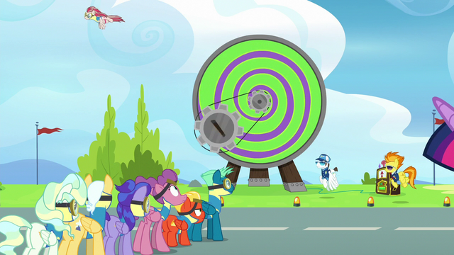 File:Angel Wings gets launched from the Dizzitron S6E24.png