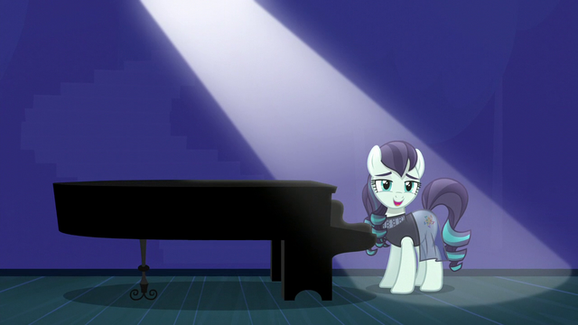 File:Coloratura speaking to the crowd S5E24.png