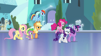 Mane 6 and Spike continue walking S4E25