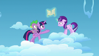 Twilight giving Starlight her hoof S5E26