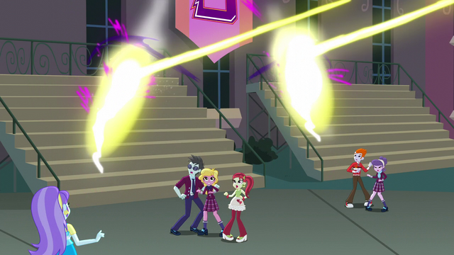 File:Daydream Shimmer closing the rifts EG3.png