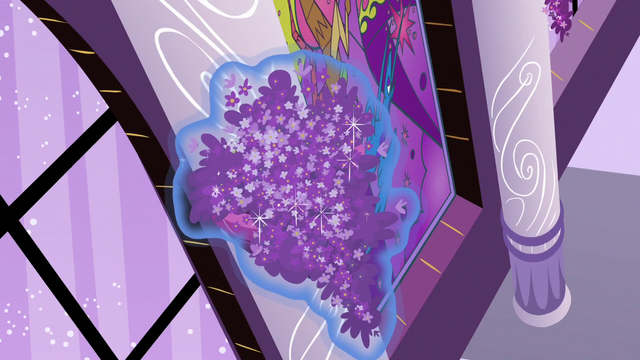 File:Fresh lavender flowers placed in wall sconce S7E10.png