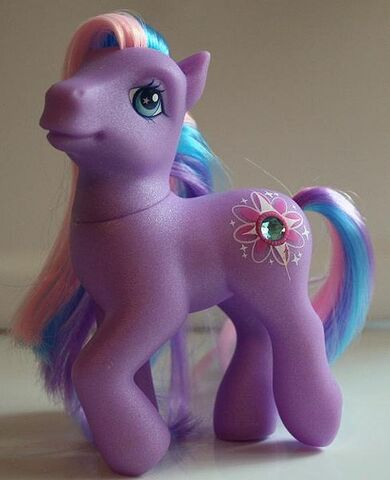 File:G3 Twilight Twinkle toy.jpg