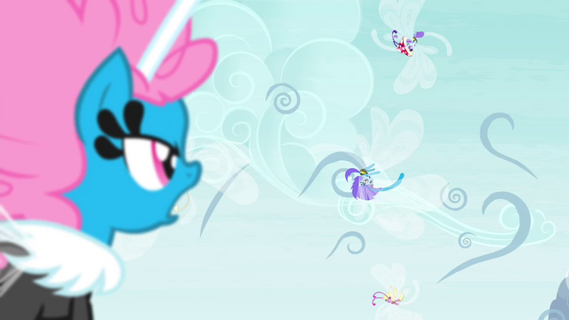 File:Seabreeze shouting at spinning Breezies S4E16.png
