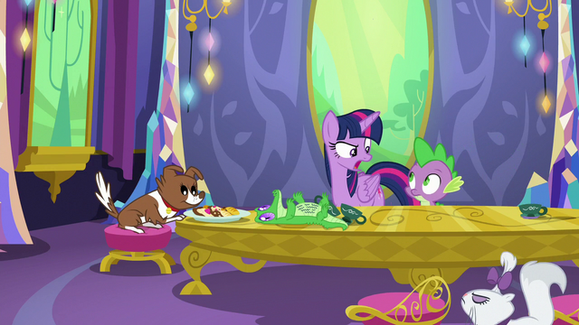 "File:Twilight Sparkle ""come on, Spike!"" S6E22.png"