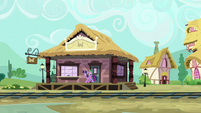 Twilight and Spike arrive at the train station S6E22