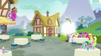 Discord vanishes away from the Mane Six S5E22