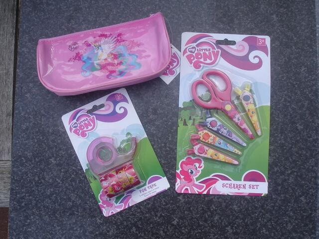 File:School supplies (pencil case, tape, and scissors).jpg
