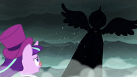 The Spirit of Hearth's Warming Yet To Come spreads her wings S06E08