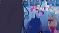 Twilight walking towards the mirror EG.png