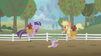 Twilight and Applejack excited S1E03