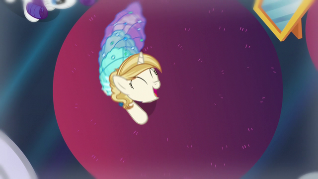 File:Pony spins around with her new dress S5E14.png