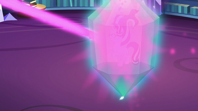 File:Starlight Glimmer projects prism-shaped shield S6E21.png