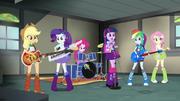 Rainbooms rehearsing in Applejack's garage EG2.png