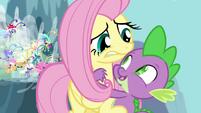 Spike hugging Fluttershy S4E16