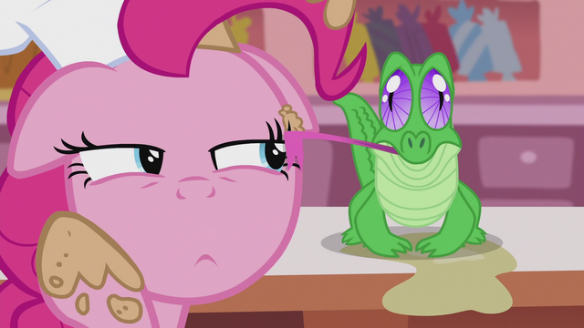 File:Gummy licking the cream off of Pinkie's face S5E8.png