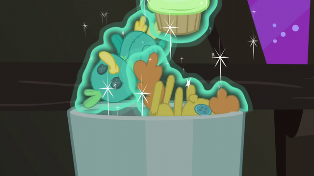 File:Toy, doll, and cupcake thrown in the trash S6E8.png