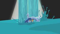 Water falls down S4E11