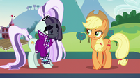 Applejack tries to tell Coloratura the truth S5E24