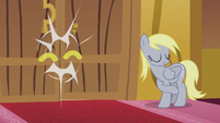 Derpy shutting town hall's doors S5E9