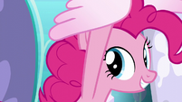 Pinkie Pie carried toward the right S6E1