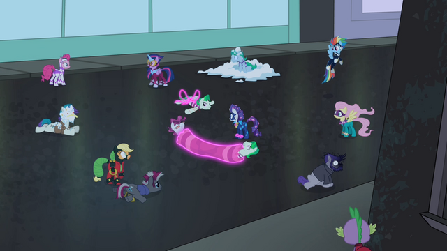 File:Henchponies defeated S4E06.png