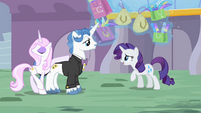 Rarity talks to Fancypants S2E09