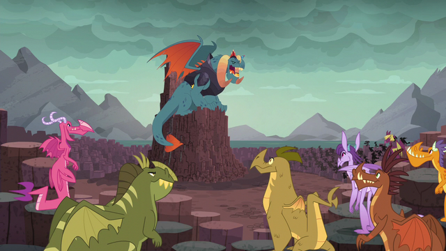 "File:Torch ""I present to you our new Dragon Lord"" S6E5.png"
