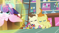 Flurry Heart flies away from Pound and Pumpkin S7E3.png