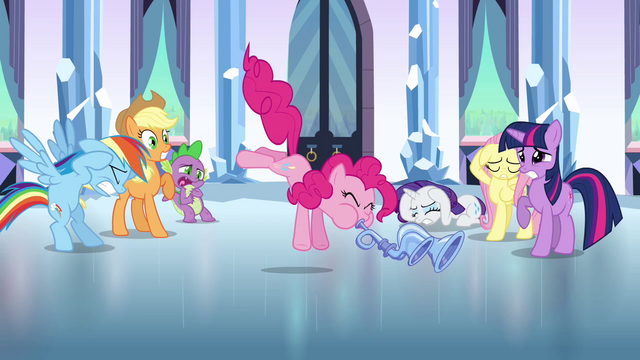 File:Pinkie Pie playing the flugelhorn S3E1.png