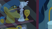 Wonderbolts trophy case S6E7