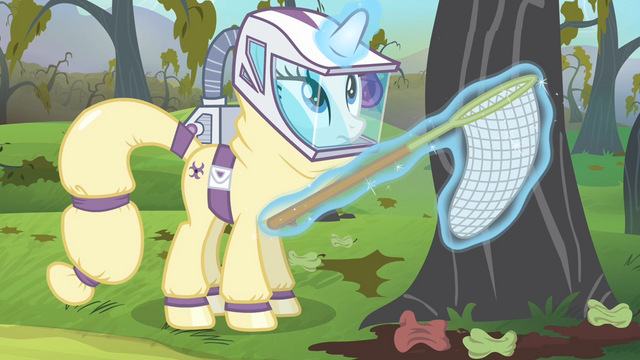 File:Rarity about to catch the bats with a net S4E07.png