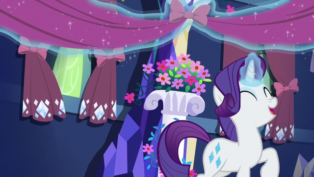 File:Rarity hanging curtains and lace S5E3.png