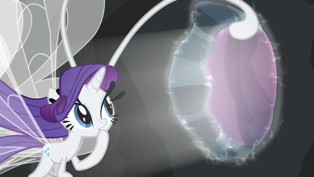 File:Rarity sees portal closing S4E16.png