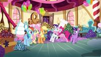 Pinkie Pie hugging Rarity S4E18