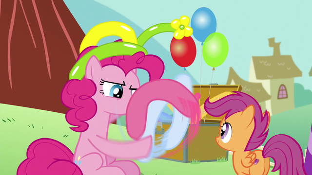 File:Pinkie Pie making a balloon animal for Scootaloo S5E19.png