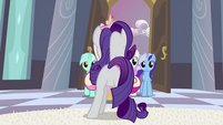 Rarity in front of Cadance S2E25