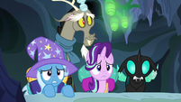Starlight and friends peek over a hive stairwell S6E26