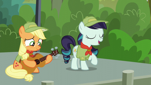 "File:Rara Singing ""Our Flag Does Wave, From High Above, for Ponykind to See"" S5E24.png"