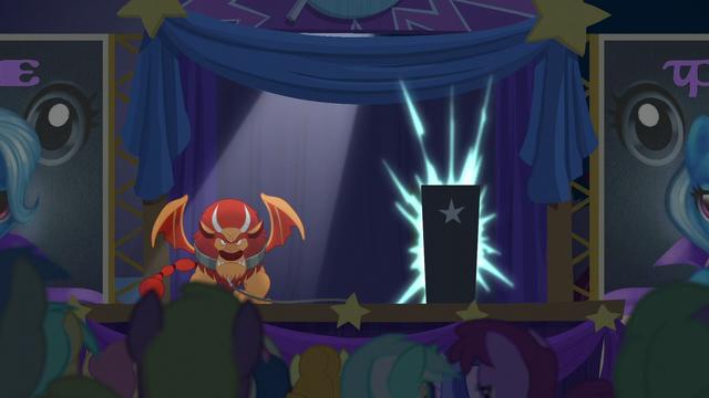 File:Magic sparks inside the black box S6E6.png